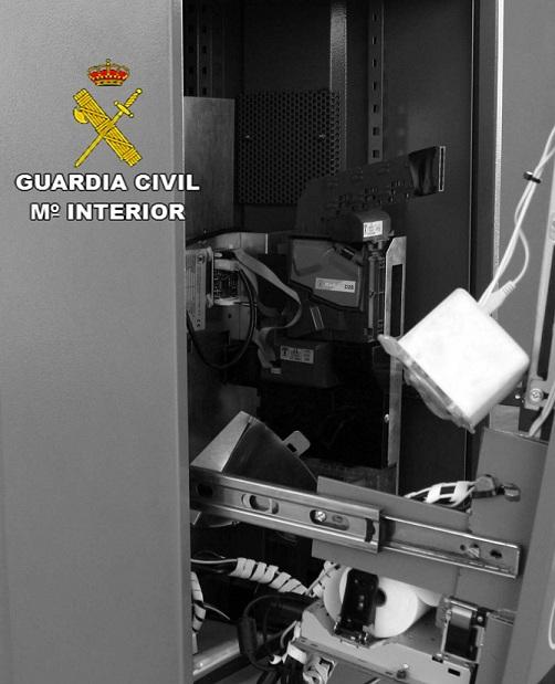 040616 DETENIDO AUTOR VARIOS ROBOS GASOLINERAS LEPE.docx