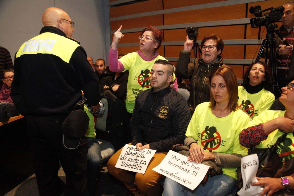 Protesta contra el ERE en un pleno