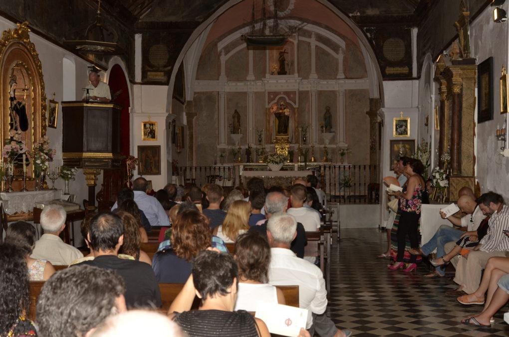 ambiente en la capilla de San Antonio