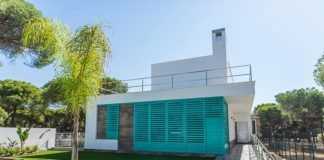 El COAH premia a un arquitecto de Ayamonte por el diseño de una vivienda prácticamente sin ventanas