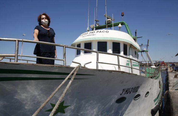 maestra estudia el lenguaje del mar en isla cristina